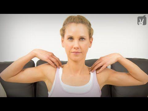 Yoga gegen Verspannungen im Bereich Schulter und Nacken - YouTube