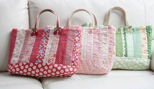 Cherry Handles Wide Tote Bag FREE Sewing Pattern - https://sewing4free.com/cherry-handles-wide-tote-bag-free-sewing-pattern/