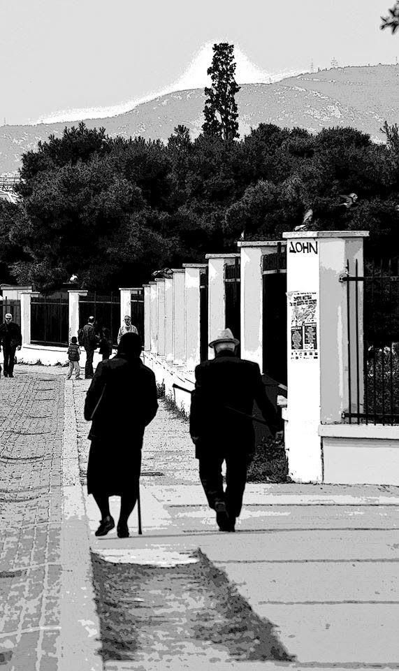 """εν πλω σημειώσεις  φωτογραφίας : """"τα χρόνια τα πολλά""""  φωτογραφία Μιχάλης Ματζαβίνο..."""