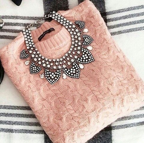 WEBSTA @ _isabellabenzsecret_ - ,,Nighty! bye bye Weekend!  My favorite Sweater yes? #germanblogger #germany #munich #passau #americanstyle #kissinfashion #fashion #fashionselection #fashionnova #sweater #ootd #outfit #London #Newyork #Goodnight #goodmorning #goodevening #goodafternoon #love #berlin #amsterdam #sweden #australia #netherlands #hairsandstyle #shoportop