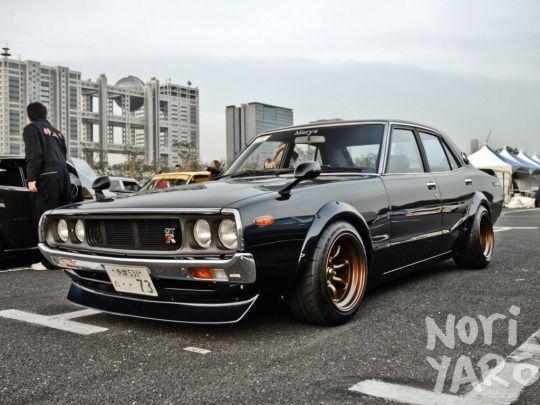 73′ Nissan Skyline 2000GT