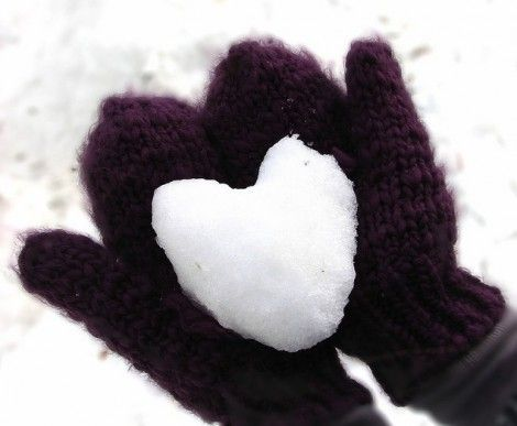 .: Winter Snow, Christmas Cards, Good Ideas, Jersey Girls, Winter Is Coming, Engagement Shots, Snow Heart, Winter Love, Snowheart