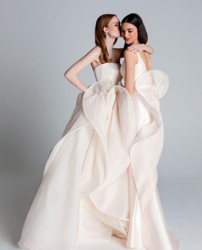 Quanto costa un abito da sposa pinella passaro i vestiti for Quanto costa macchina da cucire