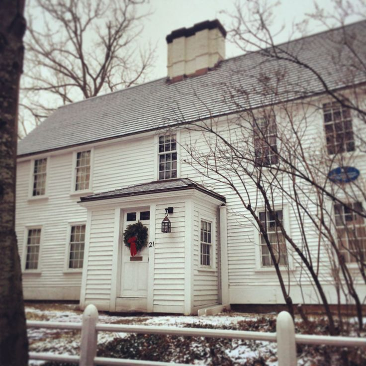 A Cambridge snapshot - taken on the way in to work one morning as the snow drifted gently down - a photo of the Cooper-Frost-Austin House. This house was built by Samuel Cooper, a selectman and deacon, and it's the oldest house in Cambridge (1690).
