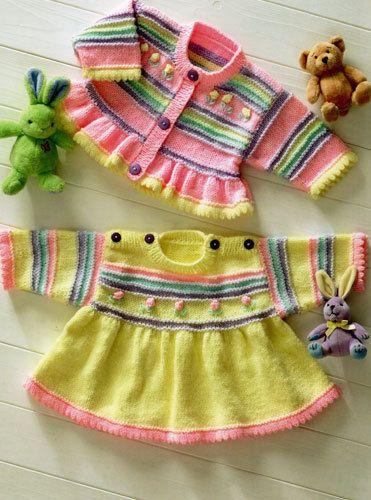 Ein schönes Kleid und Strickjacke.  Größen für verfrüht, 3-4 Jahre.  Verfügbare Größen in 30,5-61cm oder 12-24 Zoll  Strickgarn ist doppelt