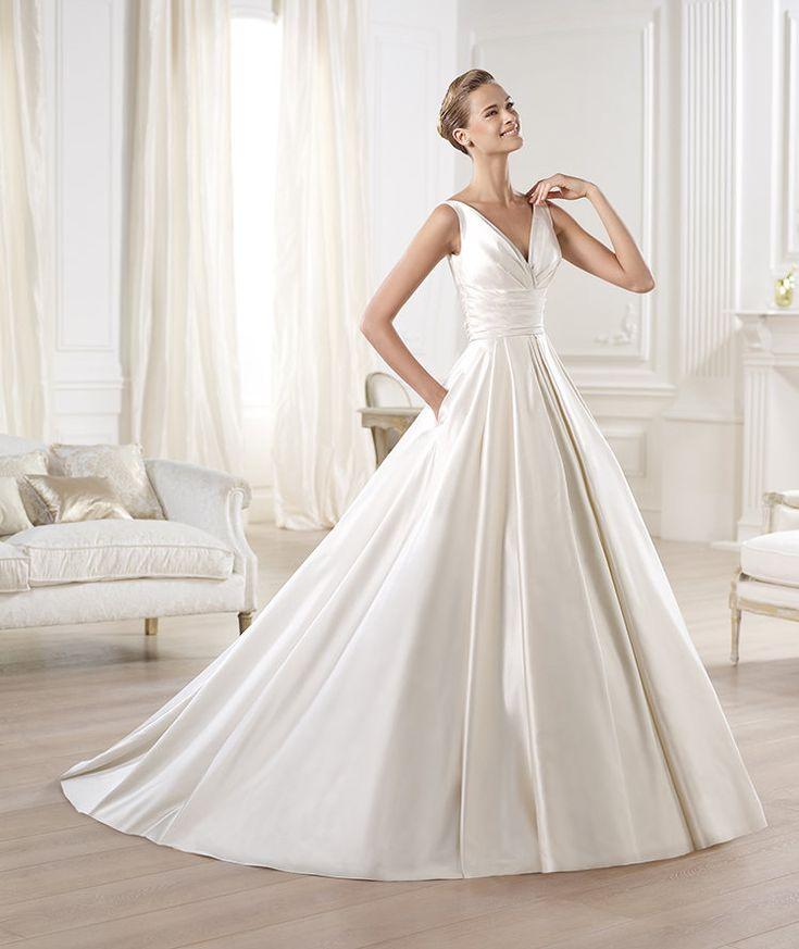 Pronovias vous présente la robe de mariée Ocumo. Glamour 2014. | Pronovias