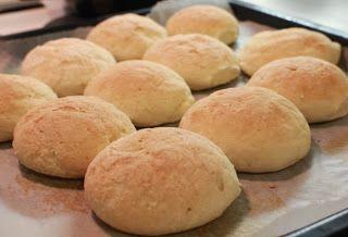 Gluteenitonta leivontaa: Vaaleat sämpylät