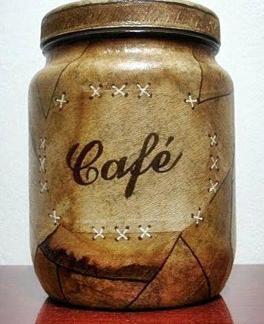 Não é novidade que o filtro de café serve pra fazer uma variedade enorme de artesanatos lindos! Mas claro que sempre tem coisa nova por aí, e gostamos de manter você sempre informada de tudo que acontece no mundo do artesanato! Pra preparar o filtro de café ensinamos em uma postagem AQUI A receitinha da …