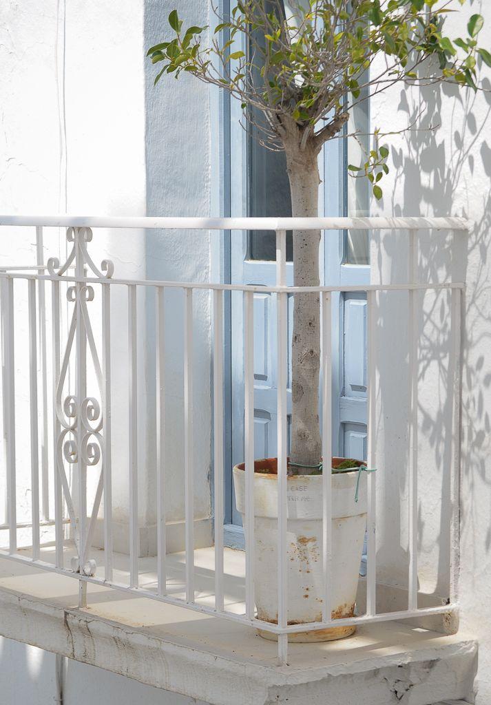 Vero Palazzo - Home Deco Palazzo, Divider, Spanish Quotes, Furniture, Home Decor, Sun, Shades Of Blue, White People, Colors