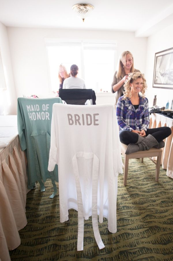 DIY Wedding // learn how to easily make iron on letters to make your own bridal party robes for getting ready in on your wedding day!