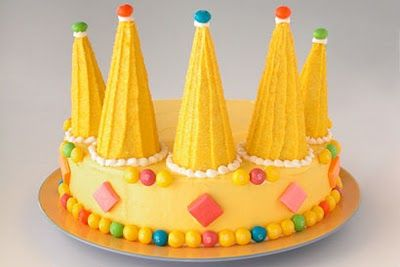 Catholic Crafts and Liturgical Ideas for January crown cake