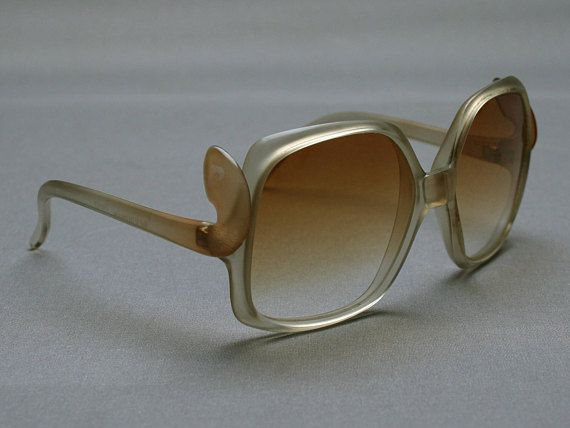 Vintage French 70s PIERRE CARDIN women sunglasses With PC
