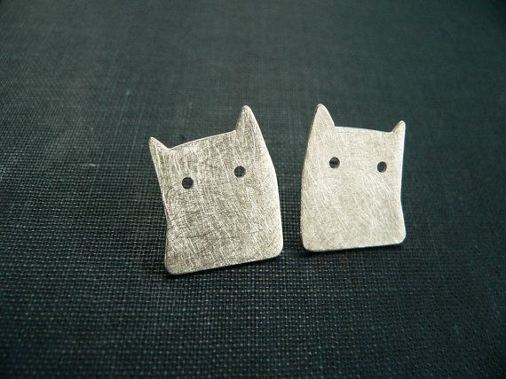 cat earrings silver minimal jewelry unique handmade by lucialaredo,