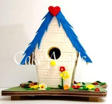 Birdhouse ready for Birds to nest ...