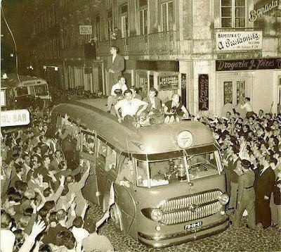 Antigo autocarro do Benfica... uma relíquia!