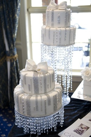 17 Best images about Wedding & Party Cakes 1 on Pinterest ...