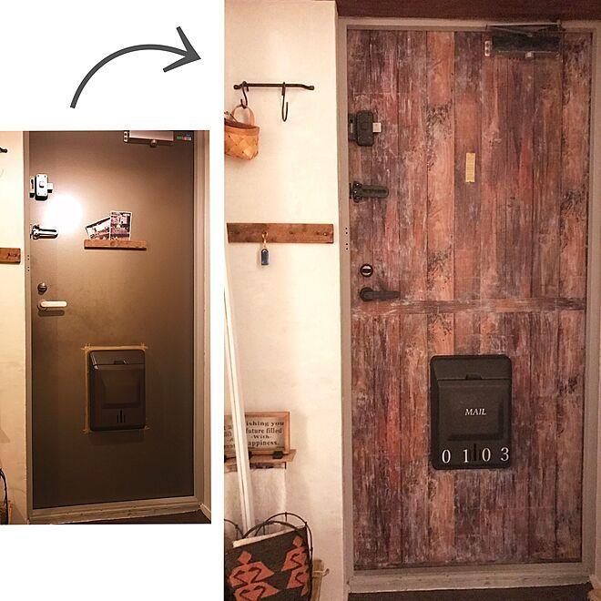 玄関 入り口 アンティーク加工 塗装 ステンシル アイアンペイント などのインテリア実例 2017 01 14 10 37 16 Roomclip ルームクリップ 2020 アイアンペイント ドア リメイクシート