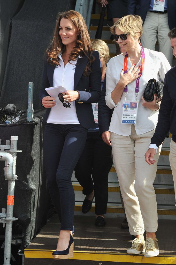 Kate arrives at the Olympics Equestrian Event to support Zara. July 30, 2012