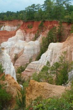 """Providence Canyon State Park, Georgia's """"Little Grand Canyon"""" Great hiking and backcountry camping opportunities."""