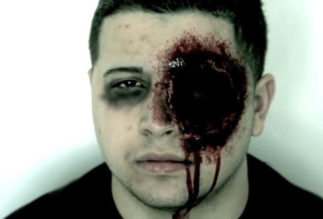 This gunshot victim makeup tutorial makes the perfect gruesome costume for someone who doesn't want to spend forever planning an outfit this Halloween.