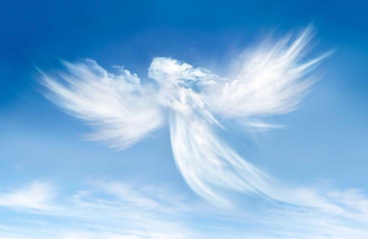 """Chaque personnea un ange gardien, la religion n'a aucune importance.Le mot """"Ange"""" signifiemessager."""
