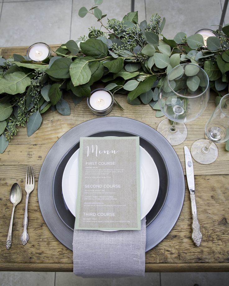 Love the neutral accents in this table decor | Photo by Kendal Riley of Ostara Photography