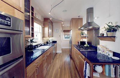Amazing kitchen! If my boyfriend wants me cooking for him I have to have something like this.