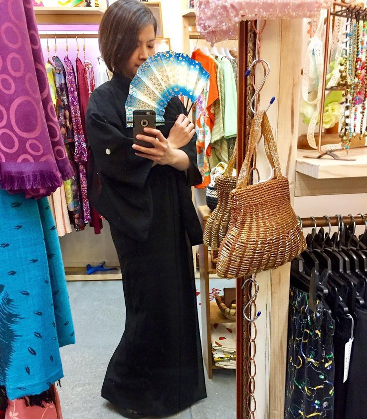 Sheer black kimono light wight and perfect for summer  lounging around dressed up for evening or festivities     #festivalwear #eveninggown #robes #kimono #yukata #furisode #haori #festival #summer #summerfashion #summerwear #japanesekimono #blackkimono #japanesefan #orientalfan #orientalfashion #vintagekimono #vintage #retro #japanesefashion #vintagefromjapan #oriental #eveningcocktails #cocktailgown #southmelbourne #southmelbournemarket #melbourne #melbourneshopping #koenjivintage