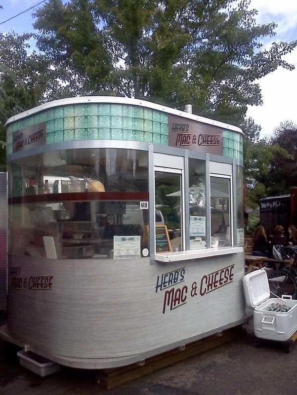 Herb's Mac & Cheese comfort food: Food Cart, Portland, Oregon