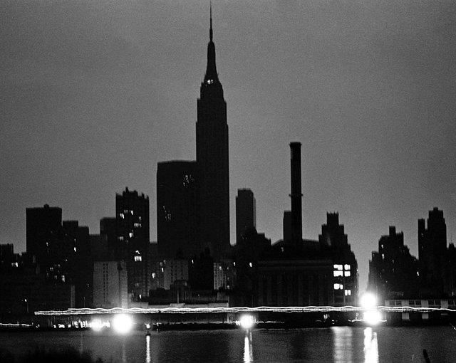 40 #Years Later, Remembering The #Infamous #Blackout Of 1977  http://abc7ny.com/news/look-back-1977-nyc-blackout-40-years-later/2212931/  ➡ http://gothamist.com/2017/07/12/blackout_1977_revisited.php#photo-1  #NYC