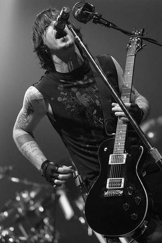 294 best images about three days grace on pinterest - Adam gontier wallpaper ...