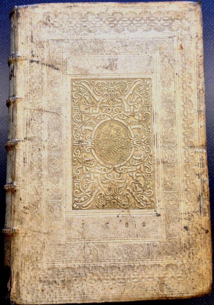 Volumen parvum (Corpus juris civilis) (1588) in embossed pigskin