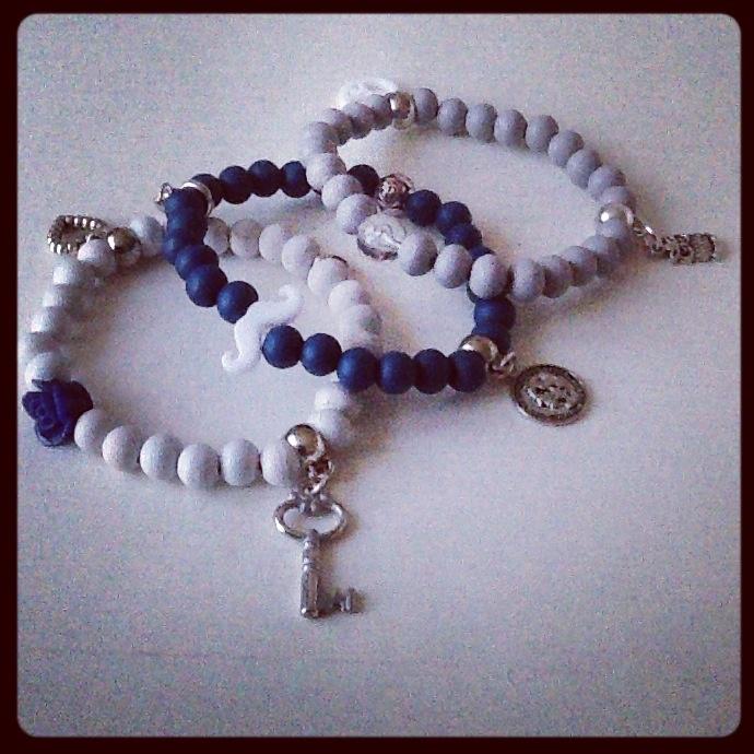 Setje armbanden: wit/blauw/grijs