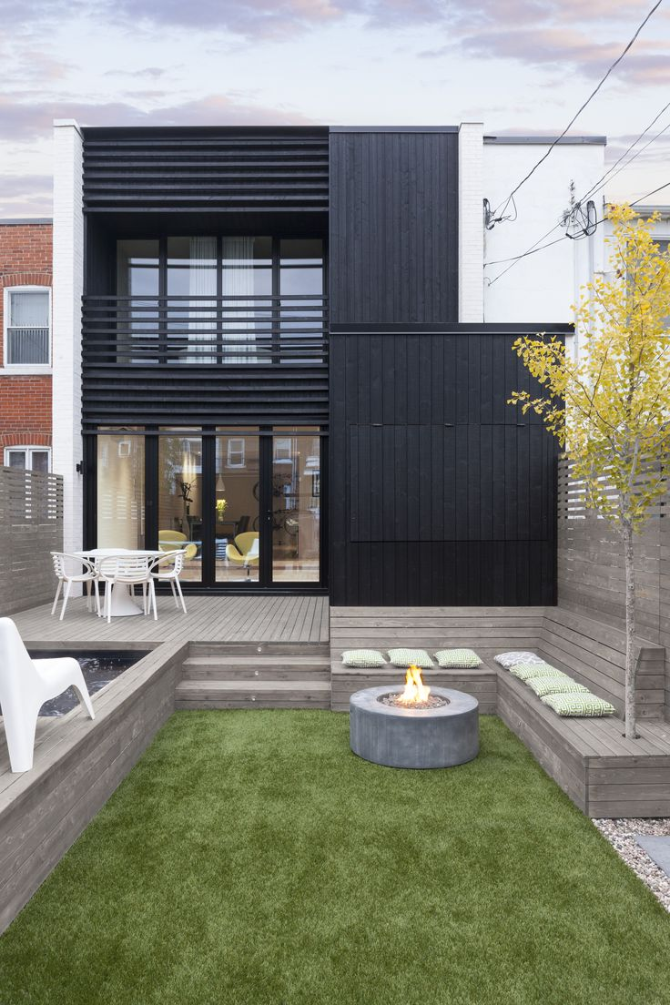 Completed in 2015 in Montreal, Canada. Images by Maxime Brouillet           . The project follows the current trend of transforming a duplex into a cottage, and adds an extension in the backyard.  The client's order was clear:...