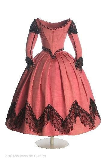 1860s dress for a teen age girl.