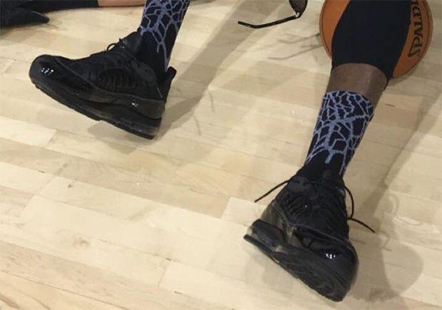 #sneakers #news  LeBron Wears Supreme x Nike Air Max 98 To Game 5 NBA Finals Practice