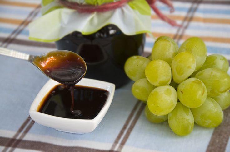 Petimezi (Traubensirup) <3 Petimezi (Grape syrup) <3 http://www.vivalasvegans.de/rezepte/desserts/petimezi/