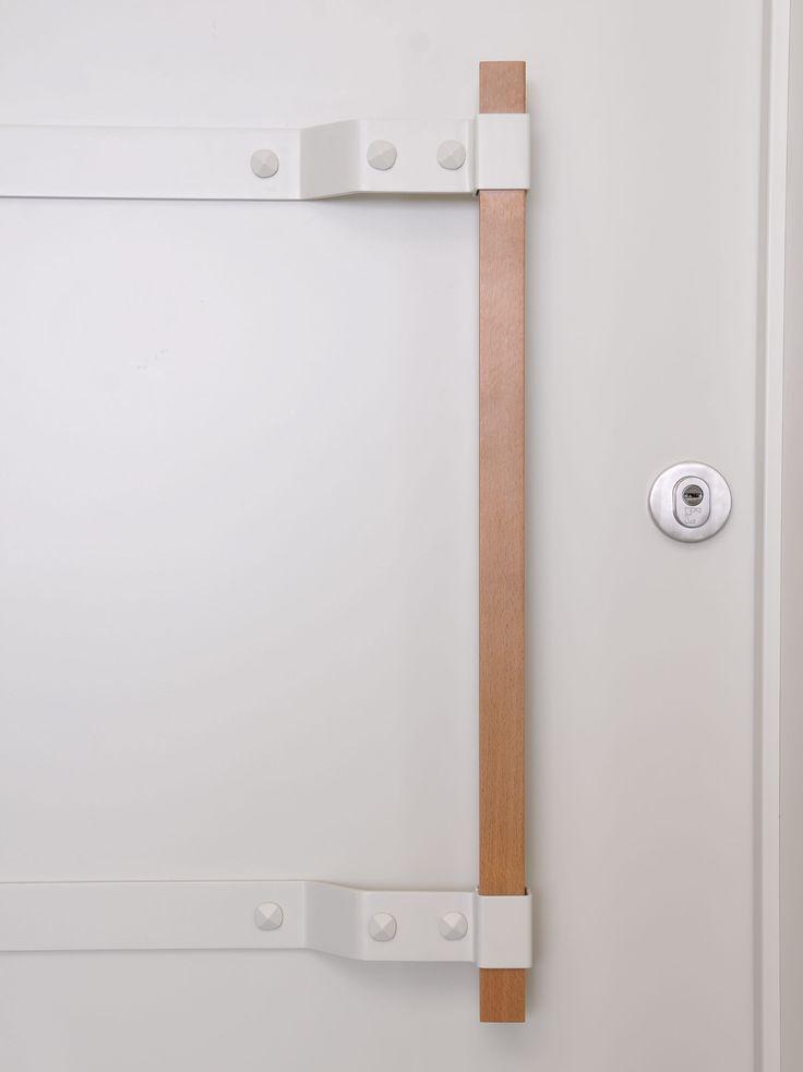 A unique handle for the marbella door