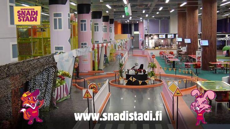 Lasten sisäleikkipuisto SnadiStadi Ruoholahdessa, Helsingissä // Indoor playground SnadiStadi in Ruoholahti, Helsinki, near metro station. One of my kids' Helsinki favourites.