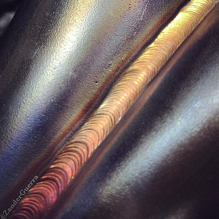 Throwback to a single pass weld on a schedule 10 pipe merge collector.  Yes it is possible to do the whole pass in one go and get gold welds there is no needs for starts and stops if you have your heat and travel speed dialed in correctly. #weldporn #weld #tigwelding #welding #tig #welds #welder #weldingsmostwanted #stainless #performance #exhaust #turbomanifold #header #turbo #boost #zanderguerra