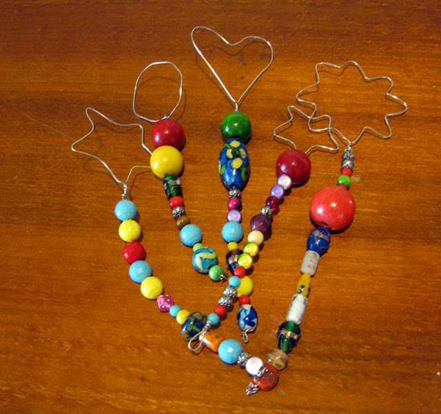 Beaded bubble wands... I don't think I posted this before. Great activity for a party or playdate!