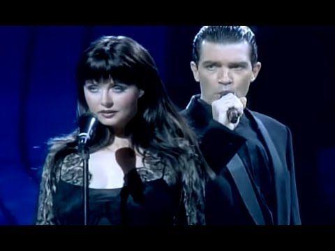 Сара Брайтман без сомнения одна из лучших певиц, а Антонио Бандерас доказал, что он не только хороший актер, но и замечательный певец! Спеть так «Призрак опе...