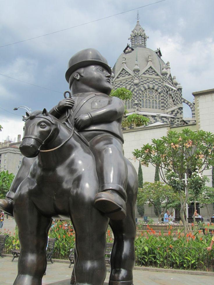 Una atracción turística en Colombia es la ciudad de Medellin