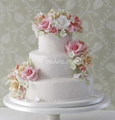 Haute Couture Wedding Cakes | ... it with the cake maker, you will be able to find a good solution