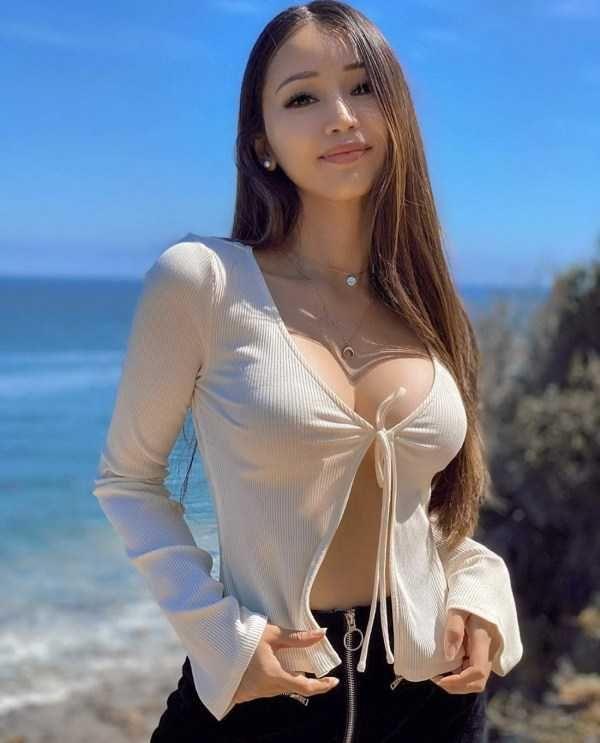 Hot Asian Pics