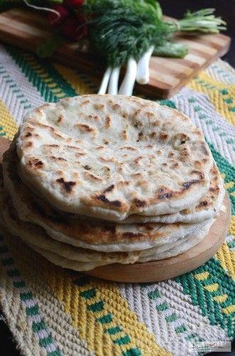 Plăcinta codrenească (un pic mai) ușoară  / Cheese pie Romanian Recipe