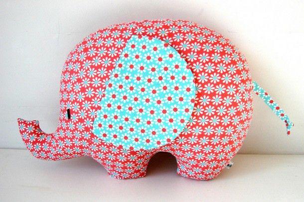 Leuk om zelf te maken | Super leuke olifant om te naaien. Door DEE01