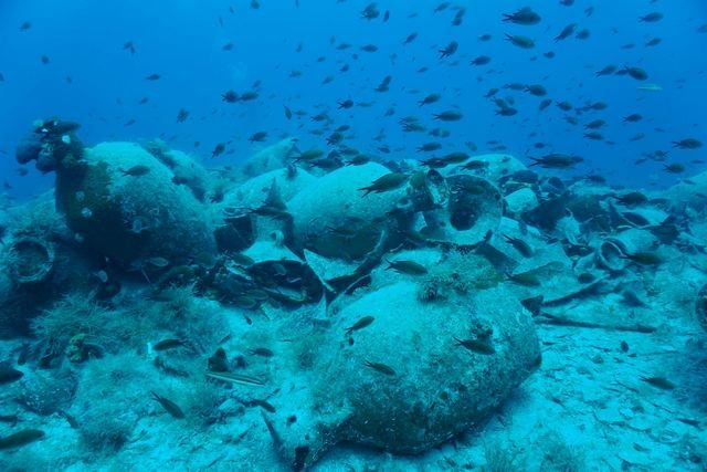 Underwater Dig off Delos Uncovers Shipwrecks, Port Structures.