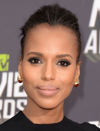 10 Hairstyles That Make You Look 10 Pounds Thinner   | Side Part A side part, like Kerry Washington's, softens the face and creates an off-center look so the face doesn't look so round.