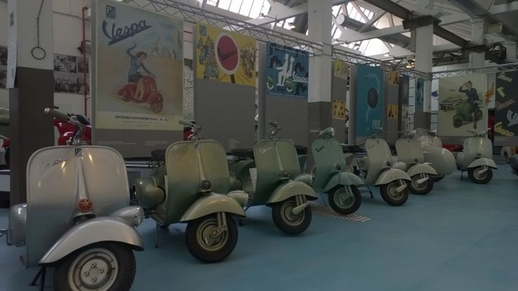 Het Piaggio en Vespa museum in Pontedera